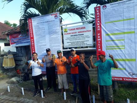 Pemasangan Baliho Tahapan pemilihan perbekel tahun 2019